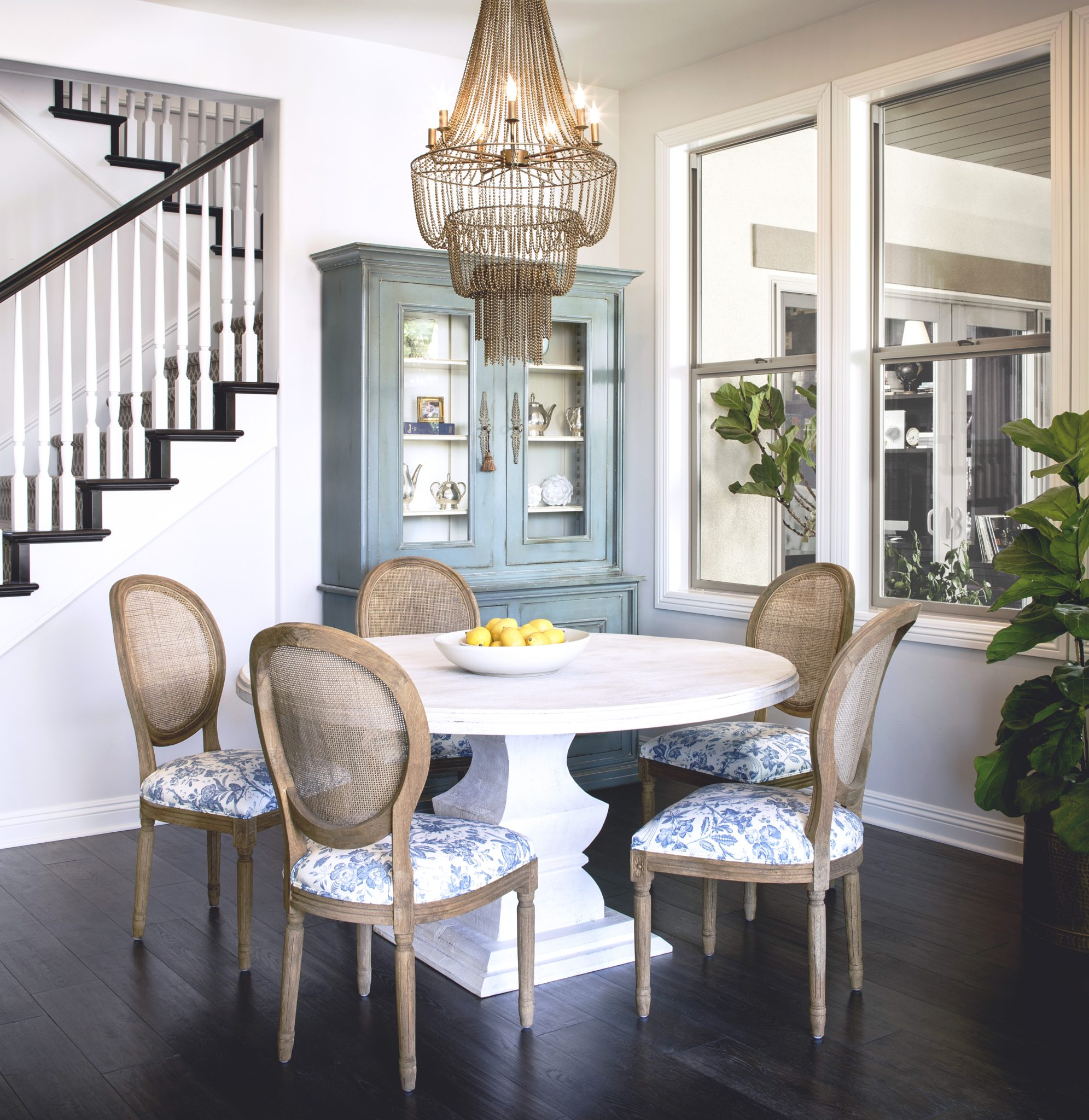 """1. Architectural Details   Any great design begins with the structure. Corine Maggio, founder of CM Natural Designs in Mill Valley, California, points out that architectural elements can introduce a coastal vibe into a room. """"Architectural detailing like molding, wainscoting, and paneling make such a big impact on a space,"""" says Maggio."""