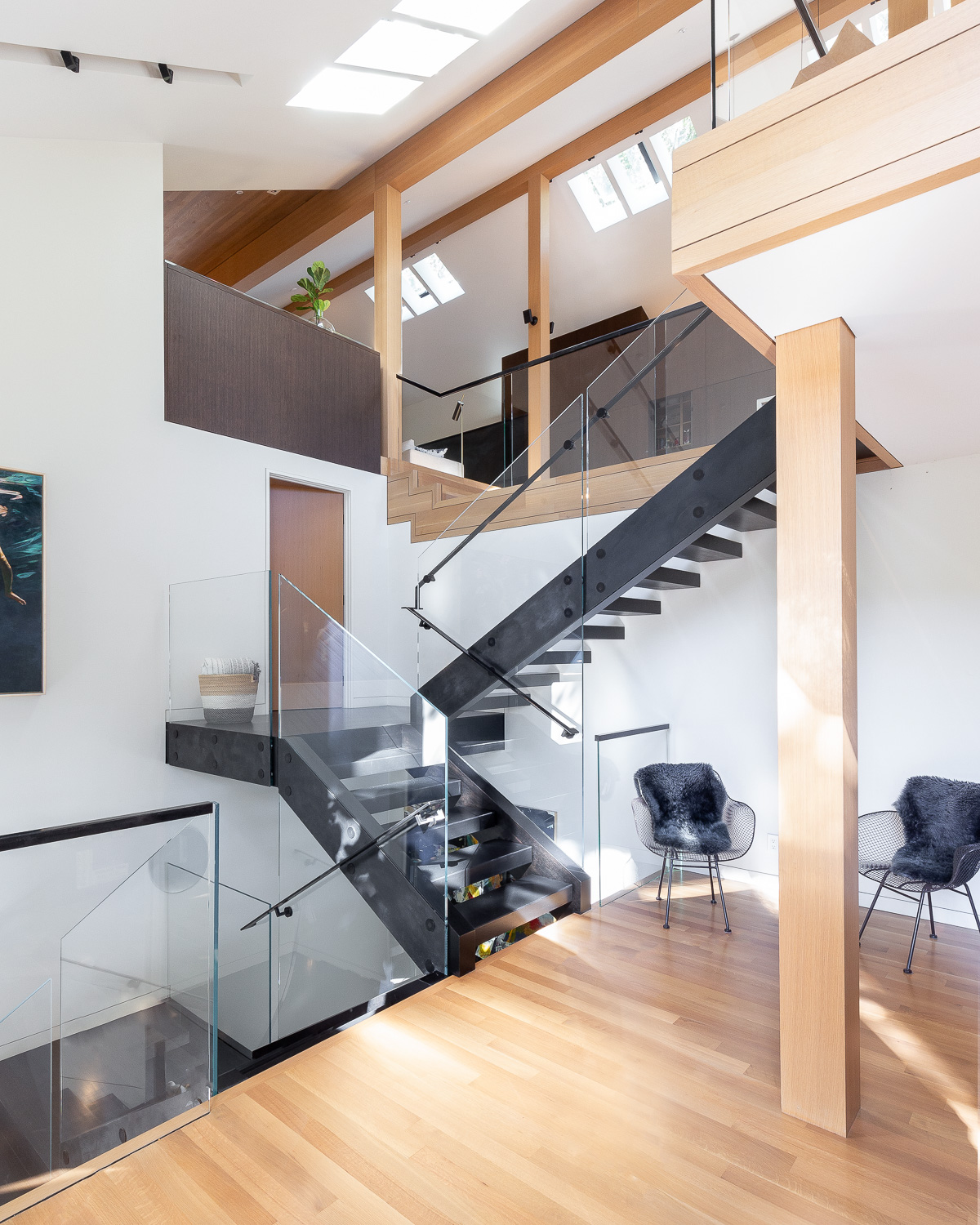 Architect Chris Parlette laid out an innovative, modern structure for the space that combined industrial elements without seeming empty or cold.
