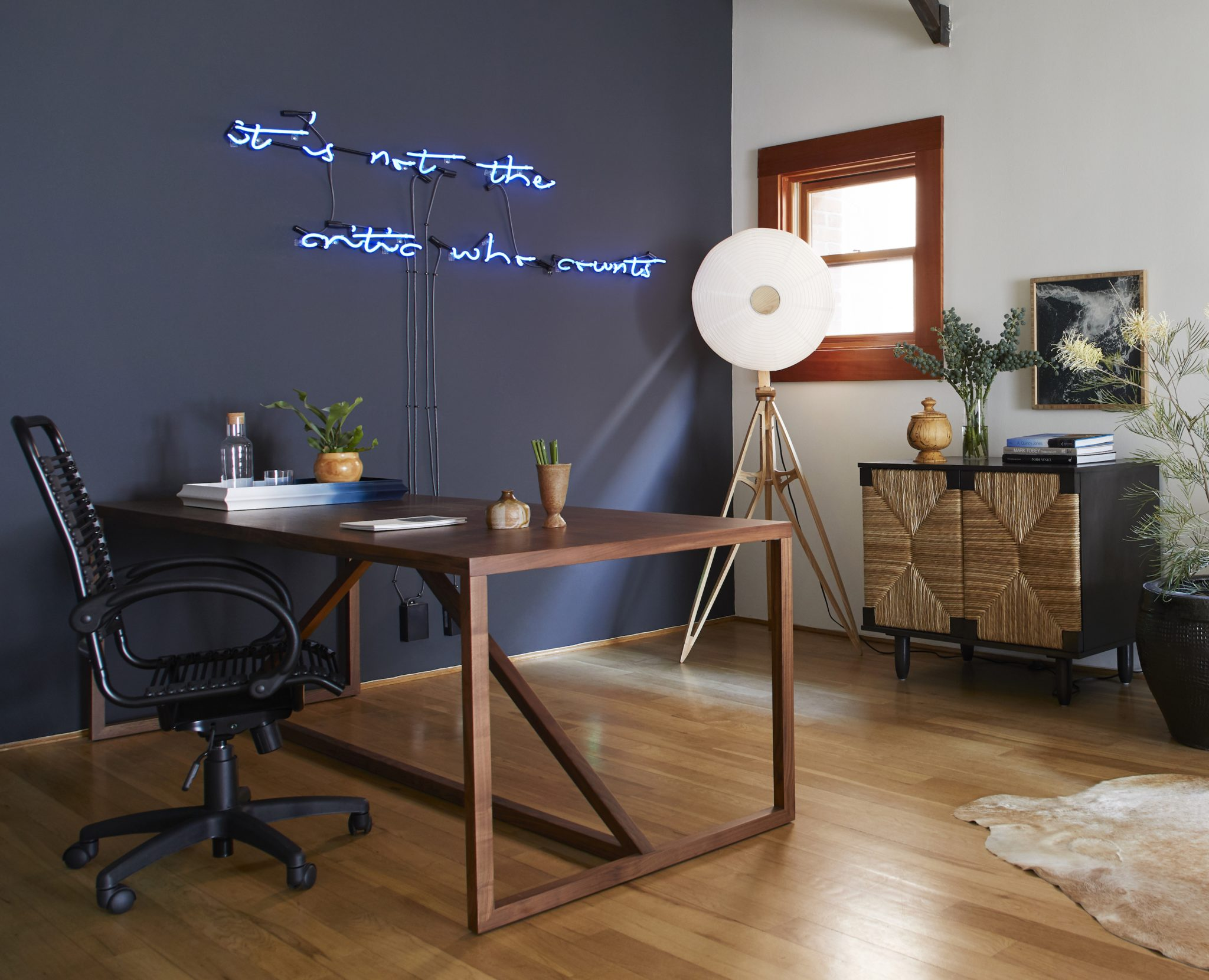 Office in Venice Beach with Neon Accent and Navy Wall by Stefani Stein Inc.