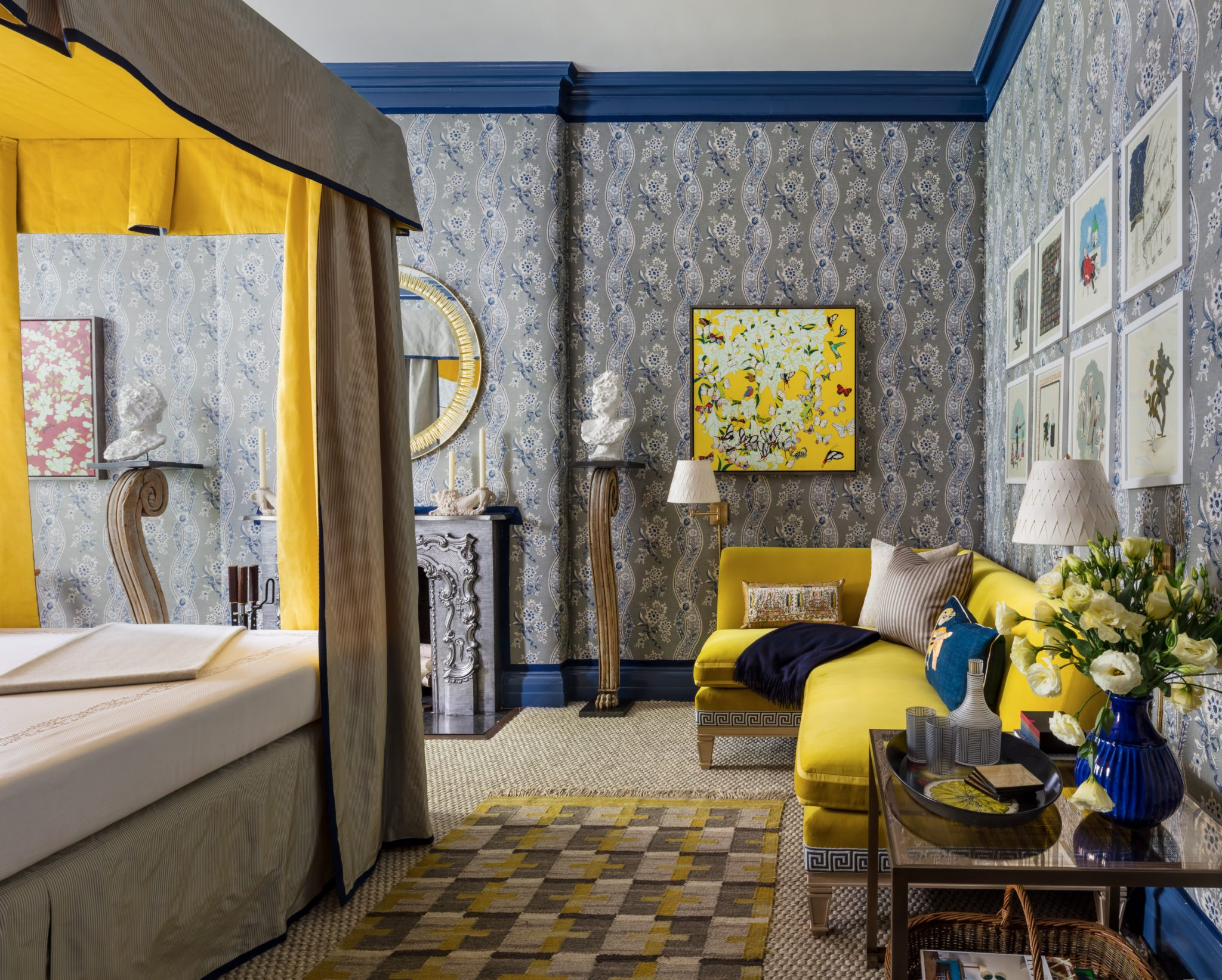 An ornateSchumacher wallpaper and citron detailsanchorthe design of this floralbedroom fromPeter Pennoyer Architects.
