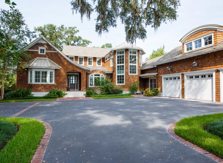 Extraordinary Shingle-Style Homes