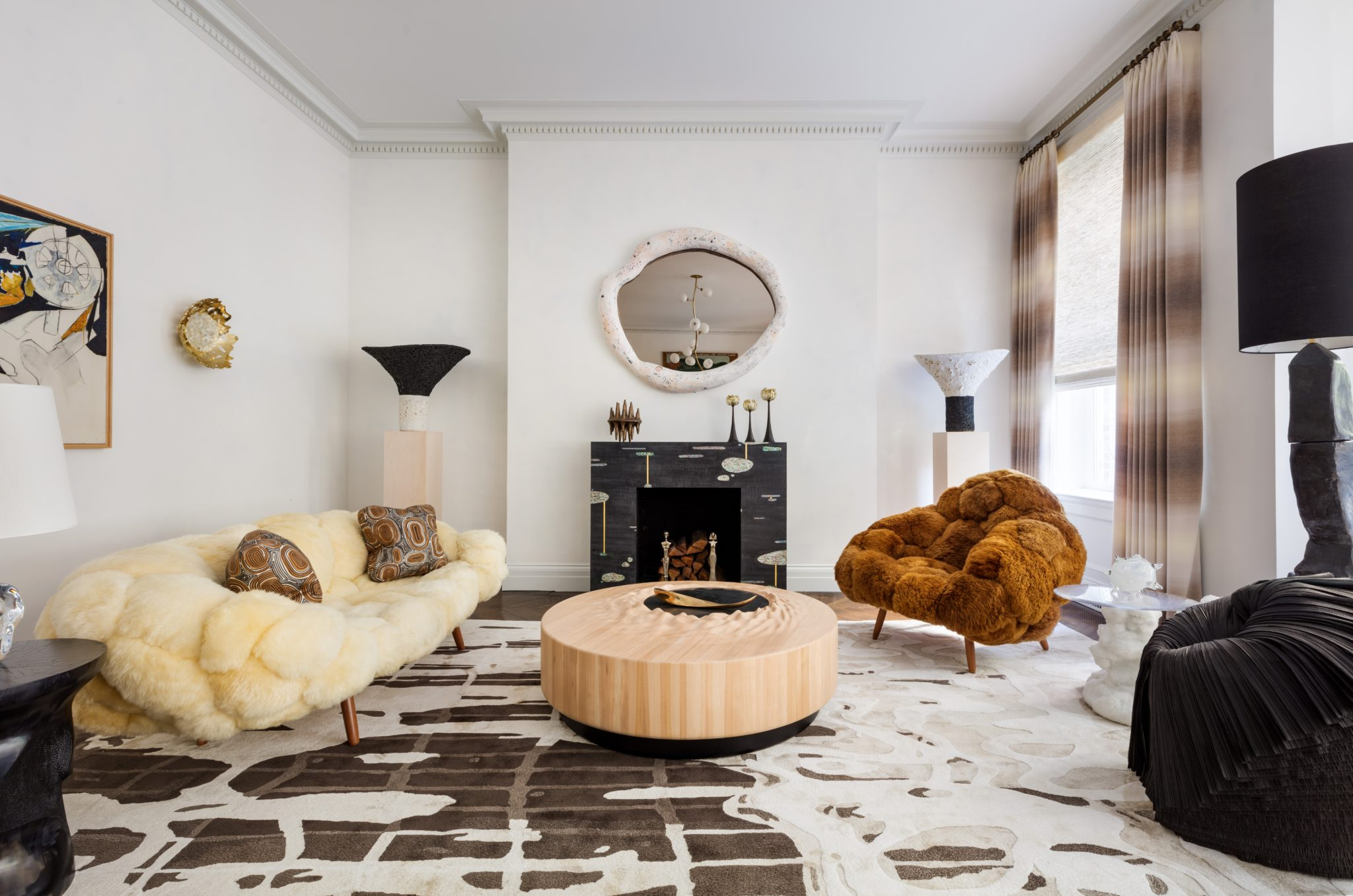 Jeff Lincoln Interiorscurated a collection of new pieces debuting this year at Kips Bay Show House, including products from the Rug Company andRichard Shemtov of Dune, along with work from acclaimed artists like the postmodern painterMario Schifano. The window treatments were designed bytheThe Shade Store.