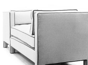 Sitting Tete-a-Tete