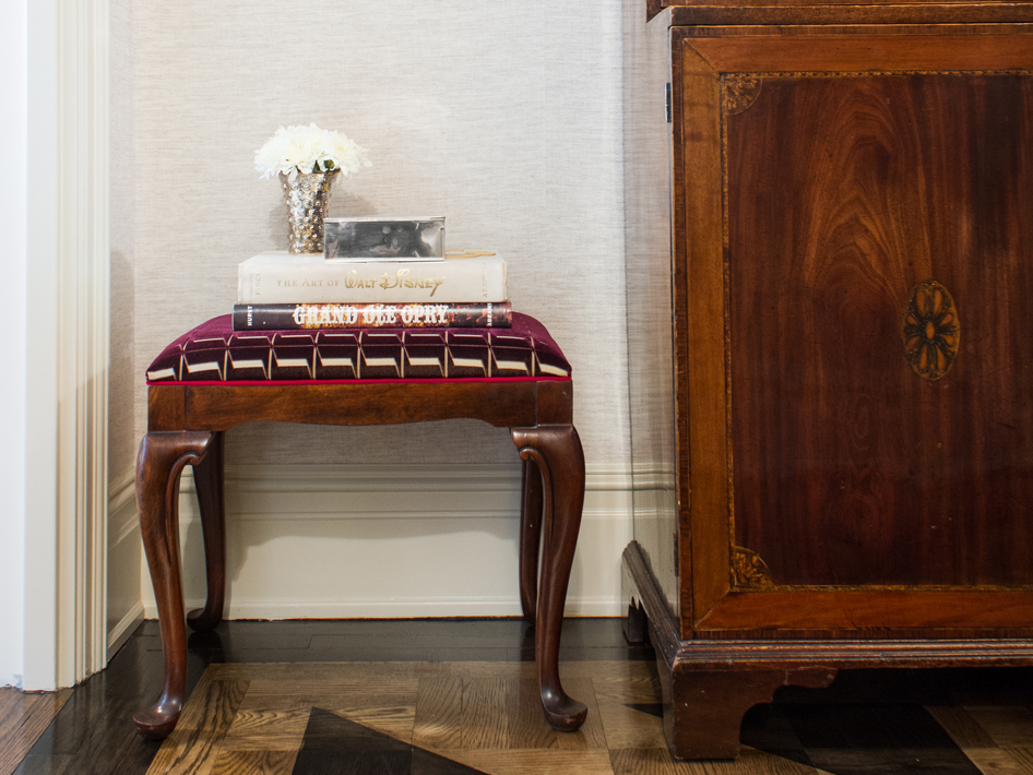 How Do You Identify Vintage Thomasville Furniture?