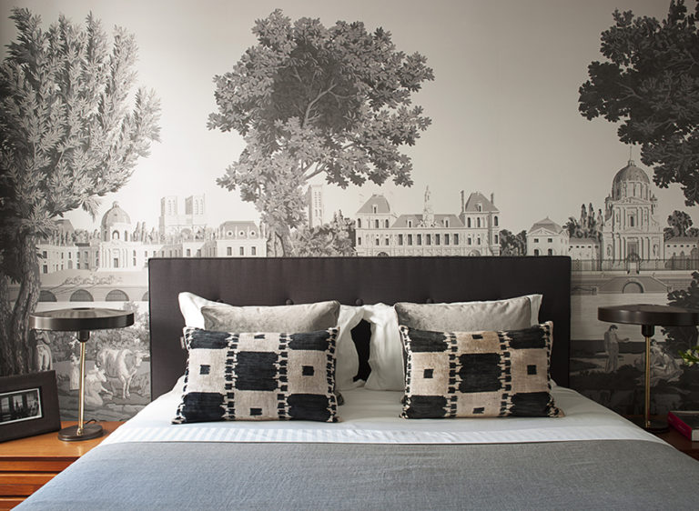 Chic Vintage Wallpaper Ideas