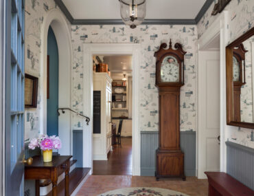 Is a Grandfather Clock the Distinguished Decor You're Missing?