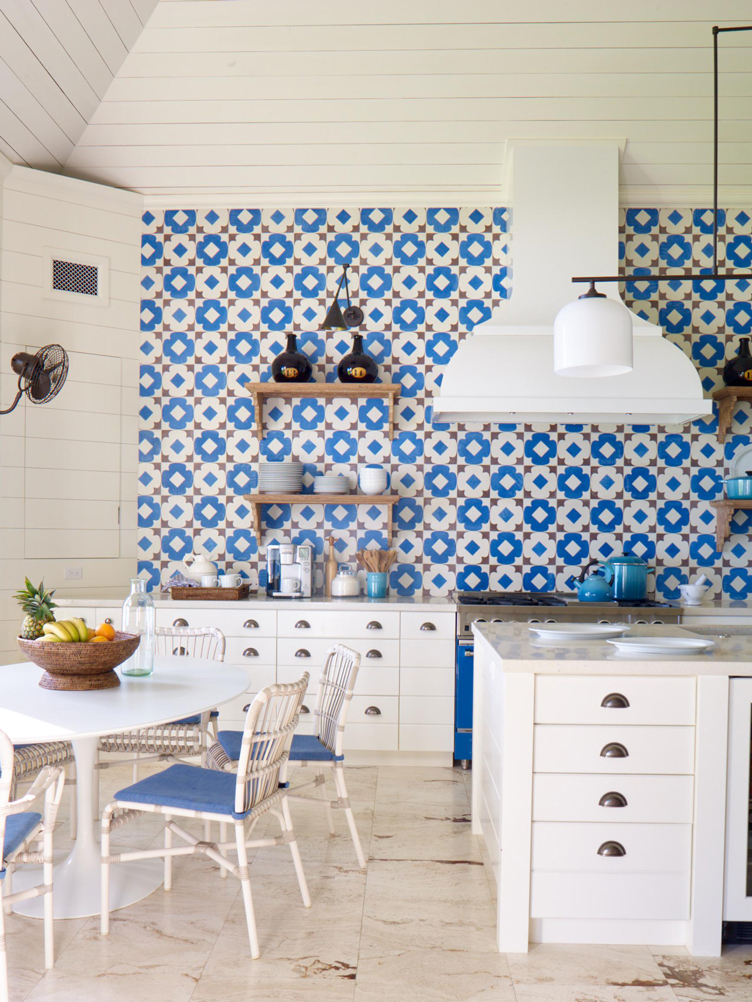 This image has an empty alt attribute; its file name is a-bahamanian-kitchen-6132.jpg