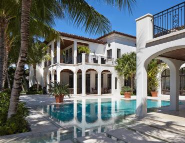 Beach House Design Ideas From the Pros
